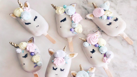Az unikornisos sütinyalókák túl szépek, hogy megedd őket