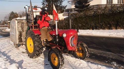 Traktorral tart Afrikába három lengyel