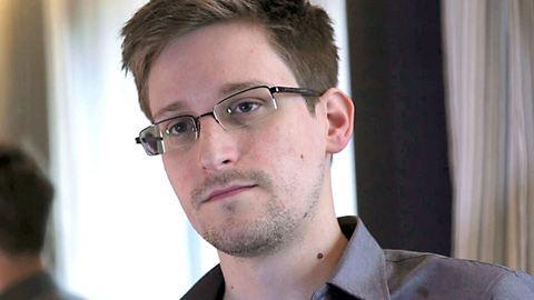 Oroszországban maradhat Edward Snowden