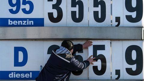 Ma olcsóbb a benzin, mint pénteken lesz