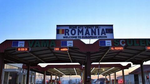 Korrupt román vámosokat fogtak a Gyula–Varsánd átkelőn