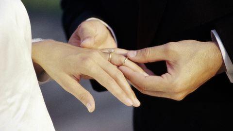 Két évig jár a fiatal házasok adókedvezménye