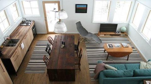 5 ok, amiért jobb egy kis lakásban élni, mint egy nagy házban