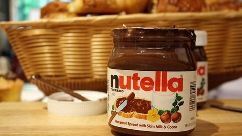 Kiakadt a net a Nutella cukortartalmát megmutató fotón