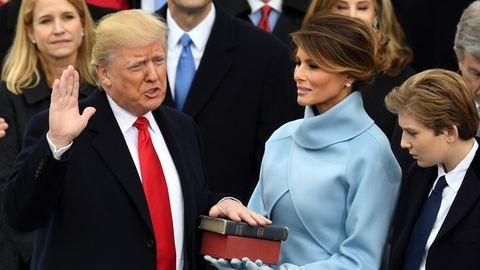 Letette a hivatali esküt Donald Trump