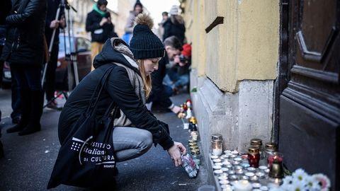 Veronai buszbaleset: megrázó megemlékezés volt a gimnáziumnál