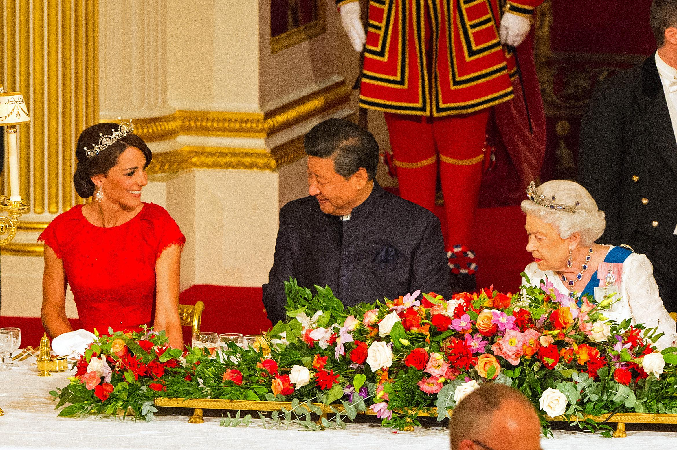 65 éve koronázták meg II. Erzsébetet