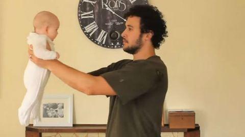 Hogyan legyünk apák? – új-zélandi apa videóit imádja a világ