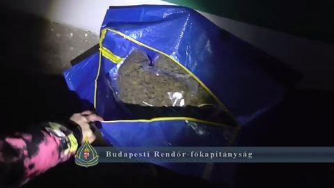 5 kilónyi füvet találtak egy budai garázsban