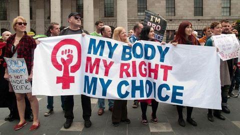 Trump azonnal nekiment az abortusznak