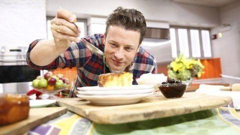 Reptéren nyit éttermet Jamie Oliver