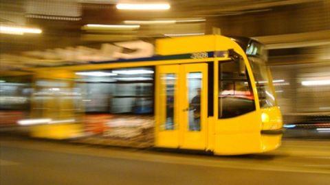 Budapesti szmogriadó – ingyenes lett a BKV a kitiltott autósoknak