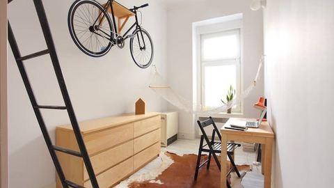 Kanapé nélkül is jól elvan a 13 négyzetméteres lakás tulaja – fotók