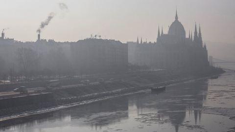 Szmogriadó 2017 Budapest: mindenki autózhat, de a BKV ma még ingyenes