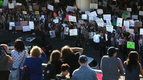 Saját párttársai és a tech-világ is tiltakoznak Trump kirekesztő rendelete ellen
