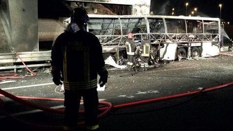 Veronai buszbaleset: Sikerült azonosítani az áldozatokat