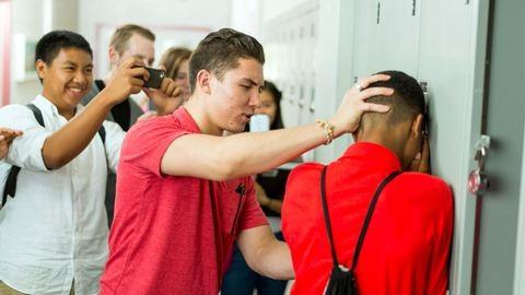 Rosszabbul teljesítenek az iskolában megalázott diákok