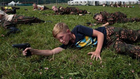 Általános iskolásokat képeznek katonának Oroszországban