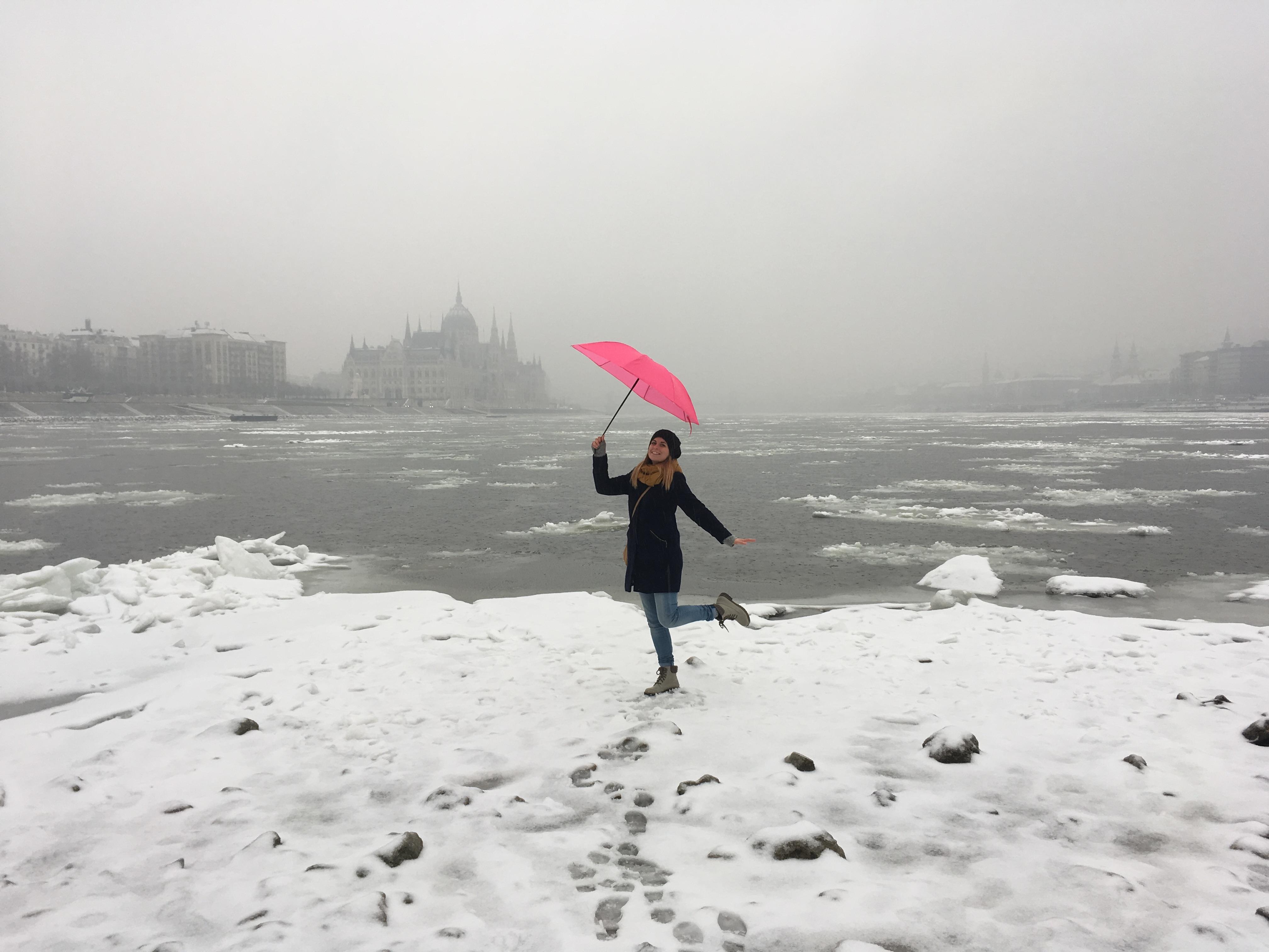Ezért a Dunai-parti képekért őrül meg most Budapest