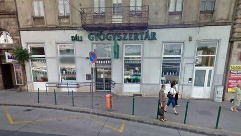 Végleg bezár Budapest legnagyobb gyógyszertára
