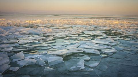 Több balatoni jégpályát is bezártak