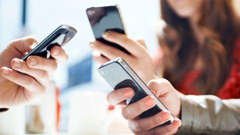 Nyártól megszűnhetnek a roamingdíjak