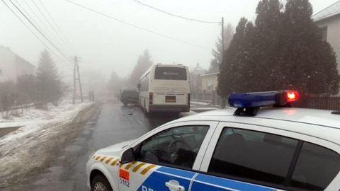 Távolsági buszt ütött a terepjáró, tucatnyi a sérült
