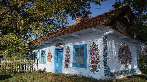 Álmélkodj a virágba borult lengyel falun