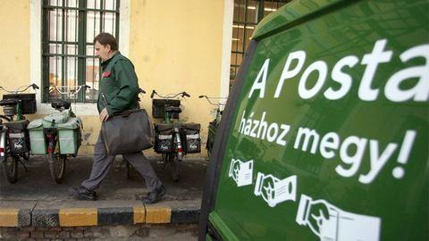 Elsikkasztotta a nyugdíjat a postás