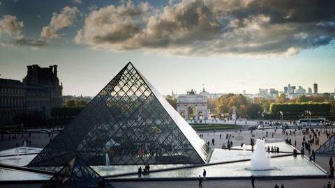 Rálőtt egy késes támadóra egy katona a Louvre-nál