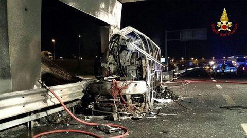 Veronai buszbaleset: Holnap hozzák haza a holttesteket