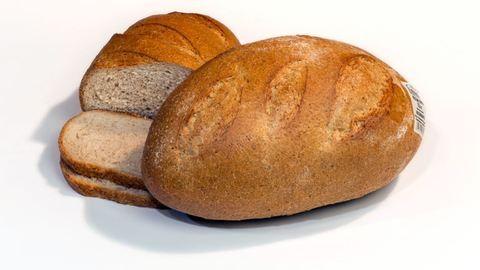Kő rejtőzött a kenyérben