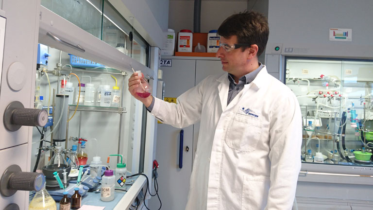 Kotschy András szerint kulcsfontosságú, hogy minél hamarabb megoldást találjanak a beteg problémáira (Fotó: Servier)