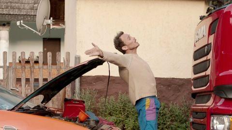 Lengyel Tamás veszélyes jelenetet forgatott A mi kis falunkban