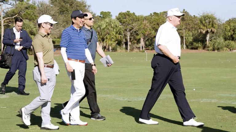 Trump és Shinzo Floridában golfozik - Trump korábban többször is támadta Barack Obamát, ha a 44. elnök golfozni merészelt