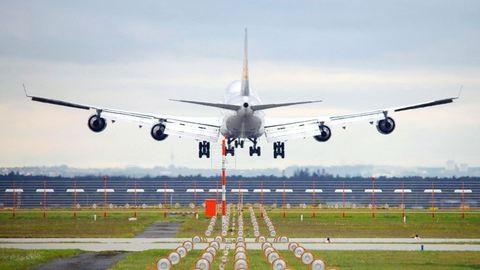 Idegösszeomlást kapott felszállás előtt egy pilótanő