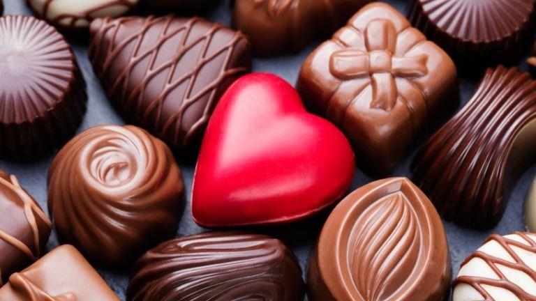 534 lányt köszöntött Valentin-napon a 14 éves srác