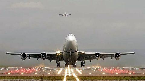 Nyit a polgári repülés felé a kecskeméti repülőtér