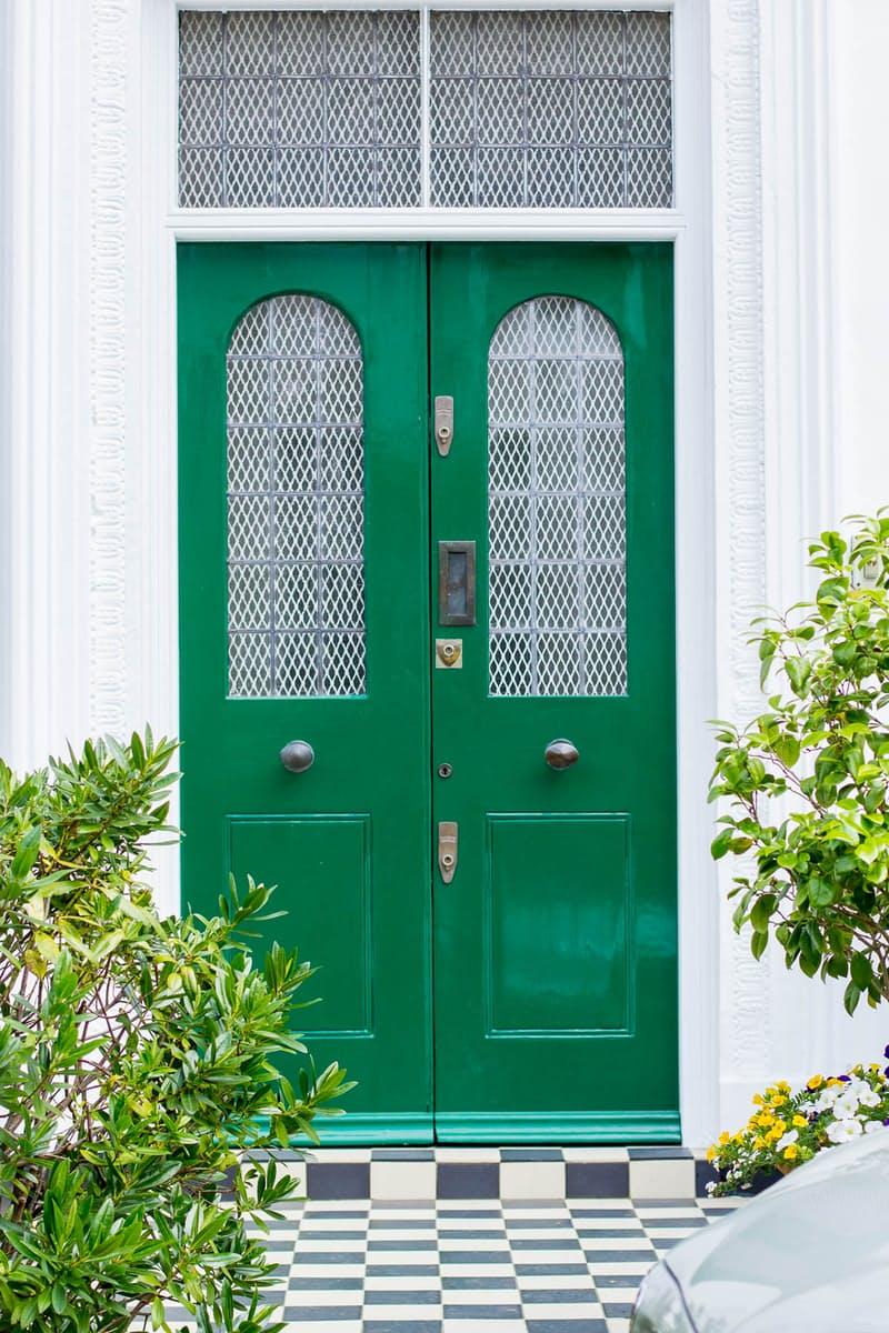 8 szokatlan, de gyönyörű szín, amilyenre a bejárati ajtót festheted