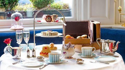 A londoni teázó minden Szépség és a Szörnyeteg-rajongó álma