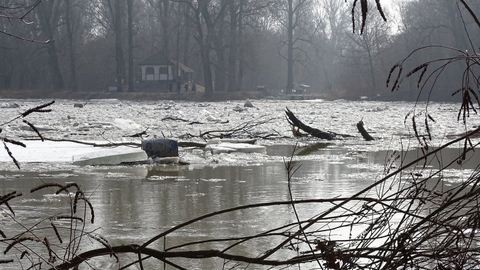 Holttestet sodort partra a jeges ár Szegednél