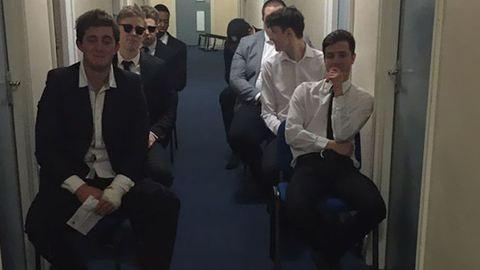 Megható temetéssel búcsúztatták barátjukat, miután becsajozott