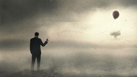 Kapuzárási pánik a pasiknál: lehet dühöngő őrült, nőfaló, vagy éppen depressziós is