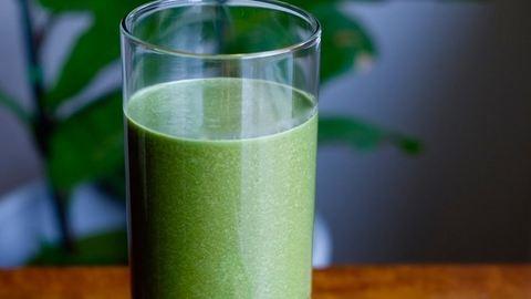 Tavaszváró, méregtelenítő zöld smoothie
