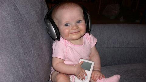 Megalkották a tudósok a dallamot, ami boldoggá teszi a babákat
