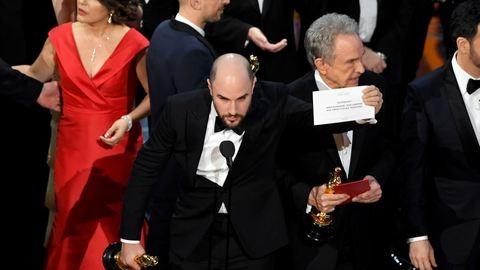 A legkínosabb Oscar-baki: nézd meg, hogy küldték le a Kaliforniai álom stábját a színpadról
