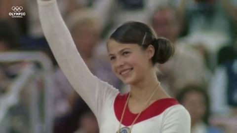 Anyagi gondjai miatt eladta érmeit az olimpiai bajnok tornásznő