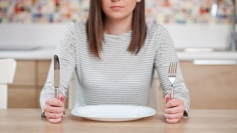 A koplalás átka: ezért nem hatékony, ha éhezteted magad