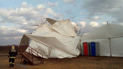 Hatalmas sátrat fújt el a vihar Szabolcsban