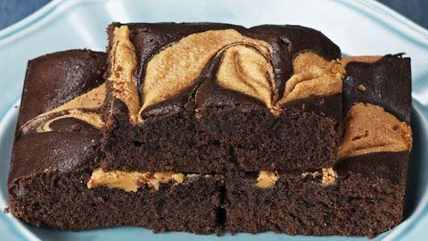 Csavarj egy egészségeset a brownie-n, és készítsd el mogyoróvajjal!